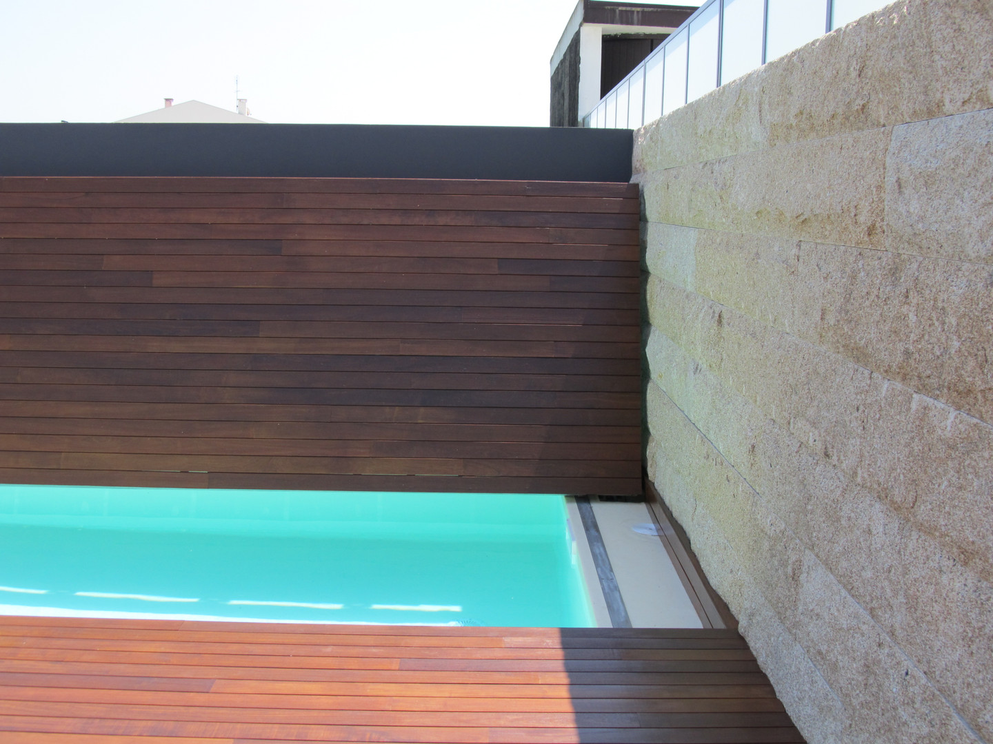 Vertical Pool Cover - ABER MOVE (1).JPG