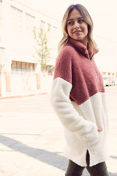 OVERSIZED FLUFF PULLOVER