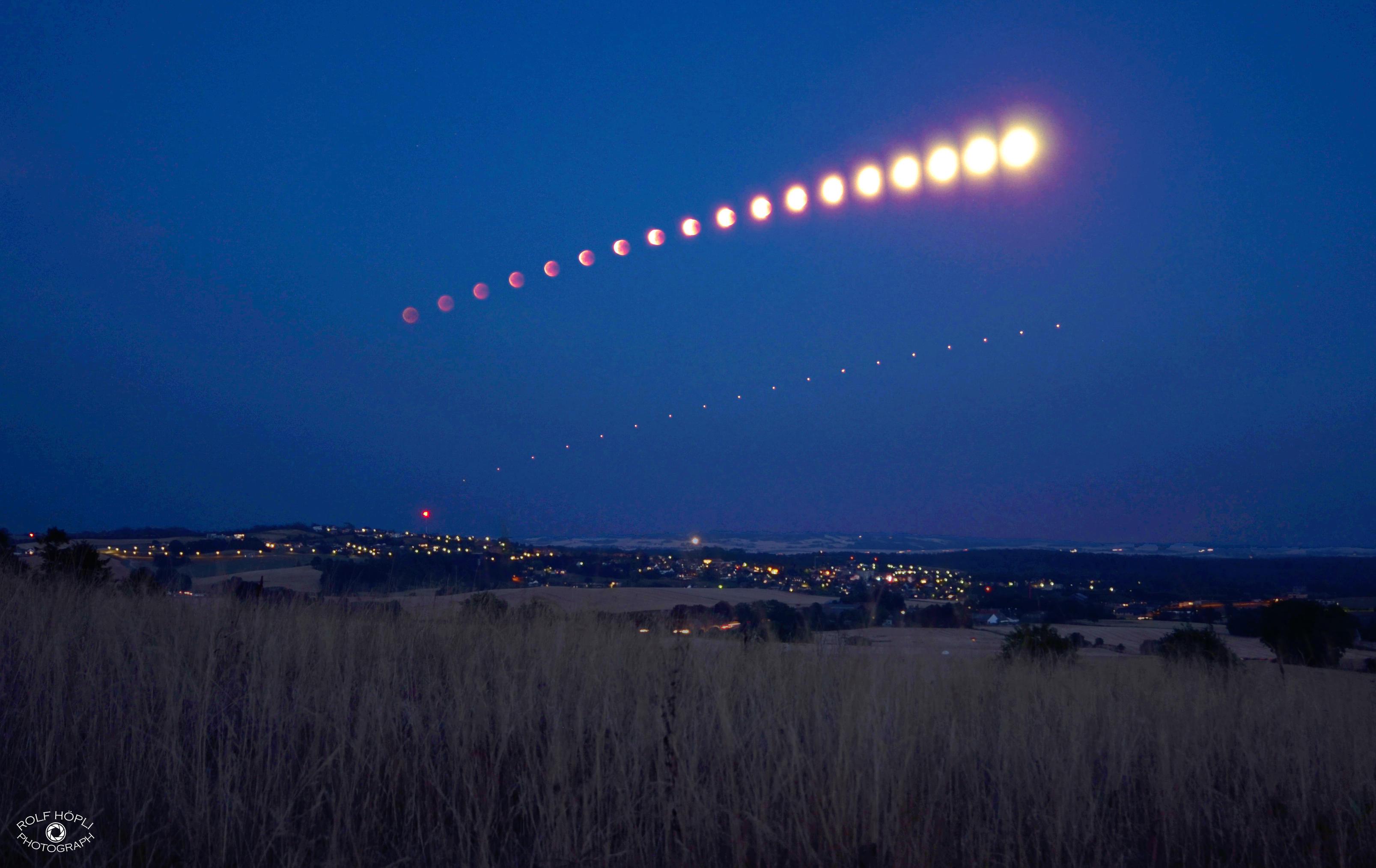Zeitraffersequenz Mondfinsternis