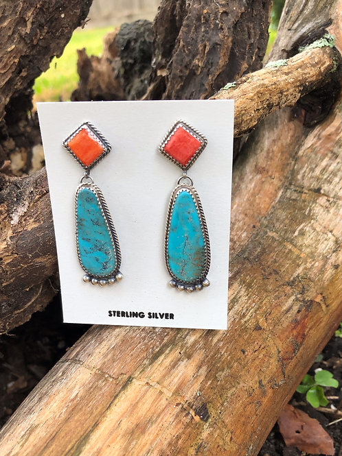 Spiny oyster shell and turquoise dangle earring by Navajo Betty Jo