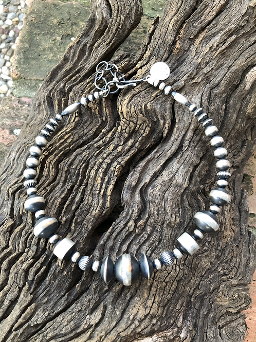 """Navajo Pearl Choker with 3"""" extend"""
