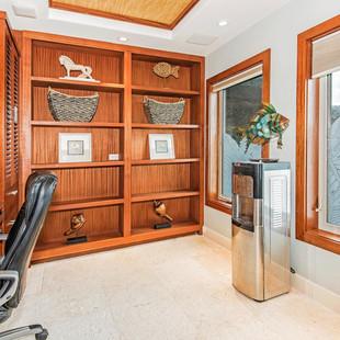 Royal Hawaiian Estate - Master Office
