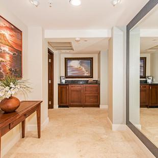 Royal Hawaiian Estate - Master Entry