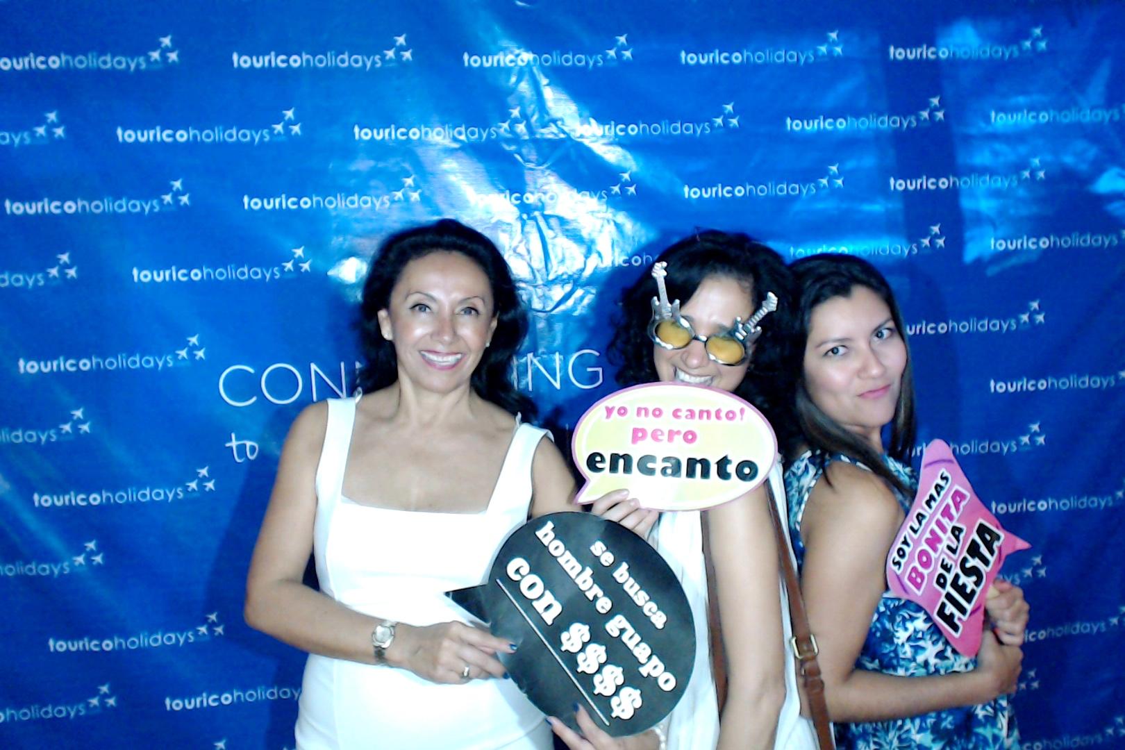 Cancunphotoboothrental00178