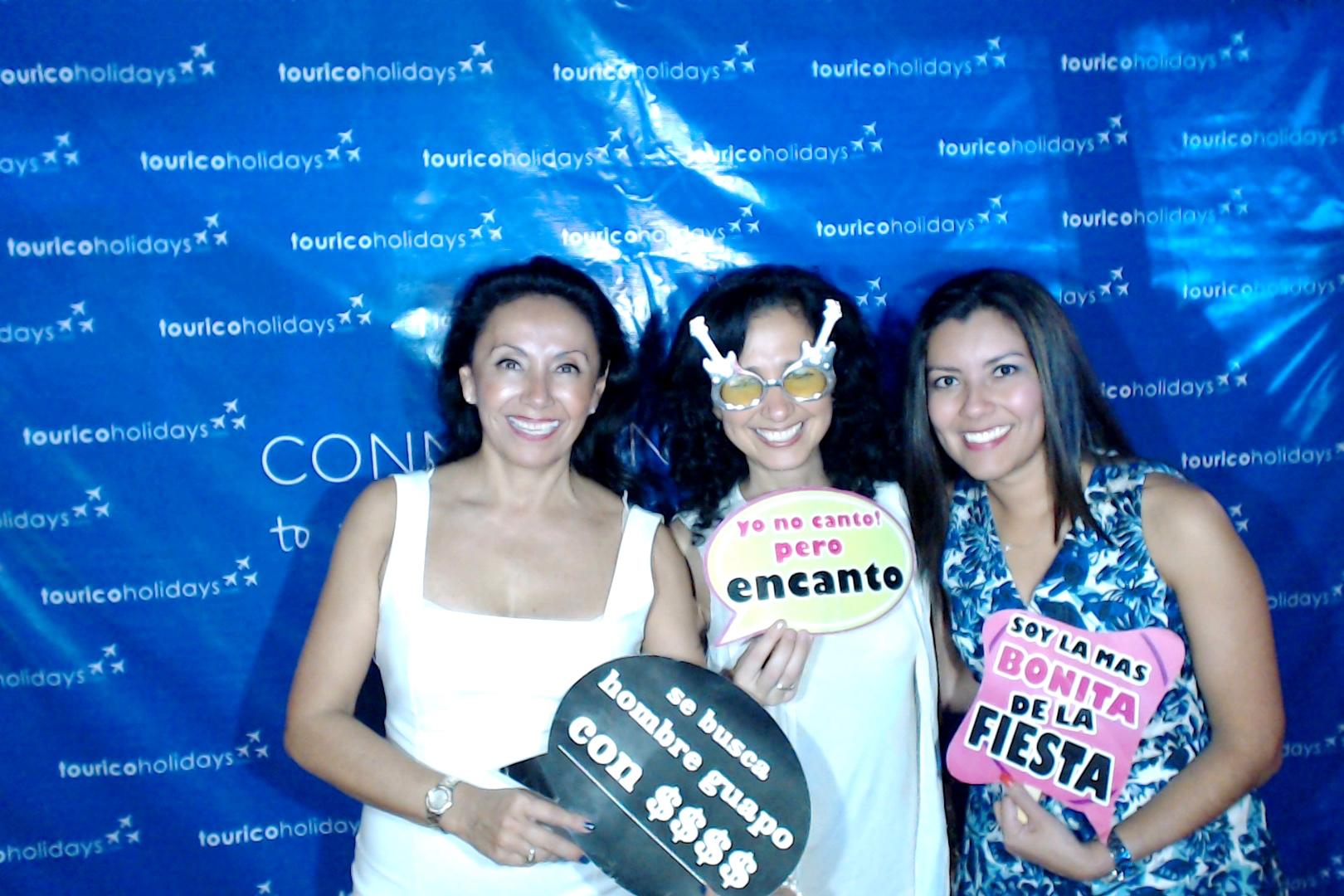Cancunphotoboothrental00177