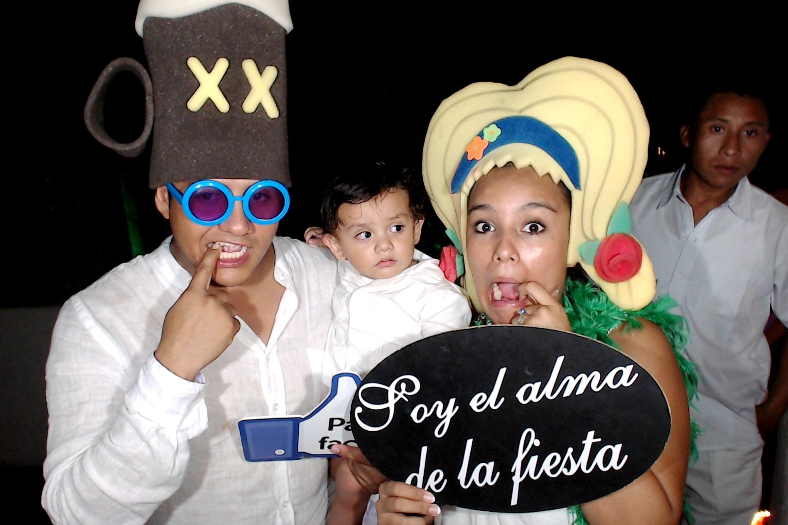 PlayadelCarmenPhotoBoothMexico0023.JPG