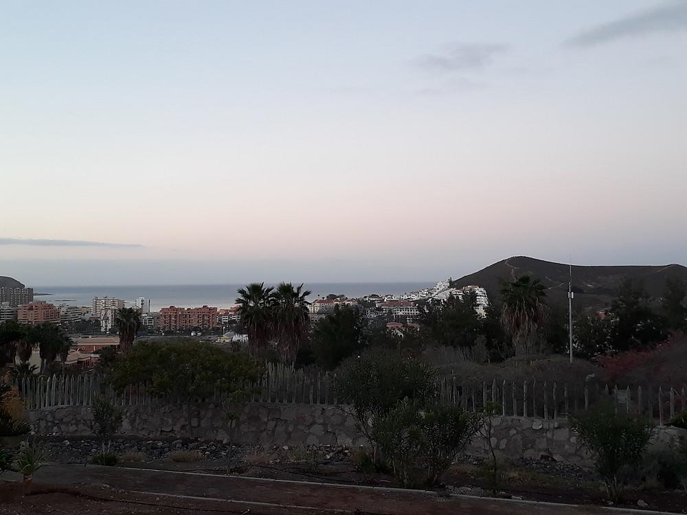 Utsikt mot morgonens berg