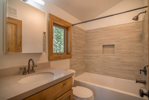 Tahoe Donner - each upstairs bedroom has a private bath