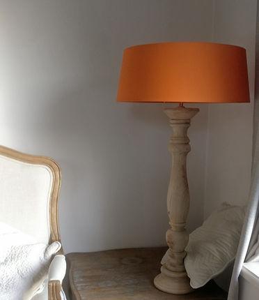 lampe en bois .jpg