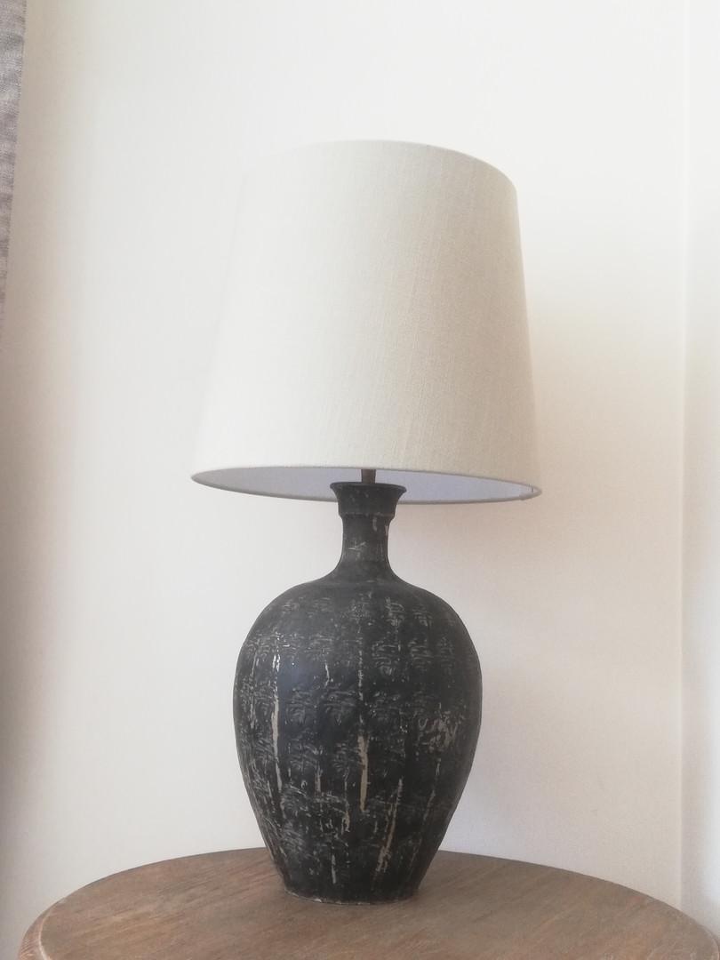 lampe en terre cuite et son abat-jour en