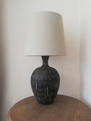 lampe en terre cuite et son abat-jour en lin de forme marais