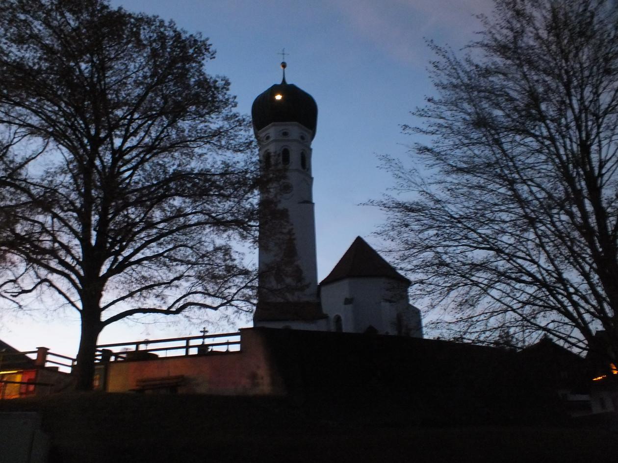 Münsing - Kirchturm (@ Foto Mechthild Felsch)