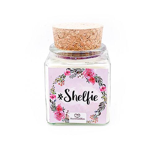 Specialkerze mit Korken »#Shelfie«