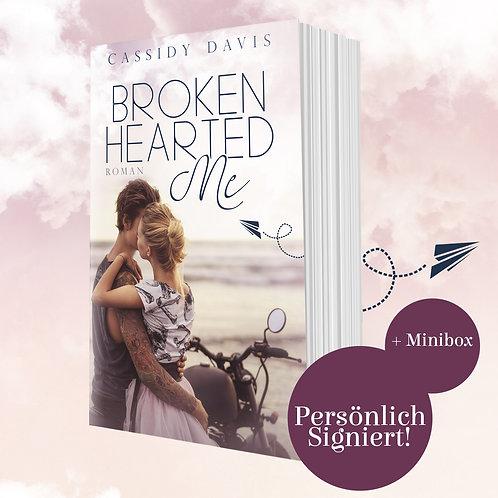 [Minibox] »Brokenhearted Me« von Cassidy Davis [August]