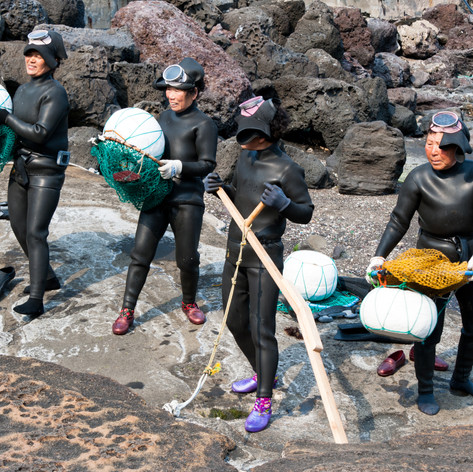 Jeju woman divers