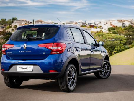 Renault Sandero e Logan chegam com visual renovado na linha 2020