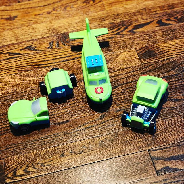 Magnetic Mix and Match Vehicles