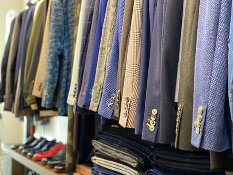スーツとシャツの年内納期予定