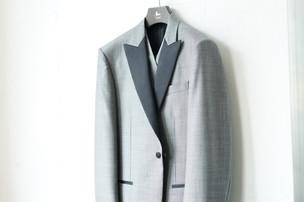 18ウエディングスーツ.jpg