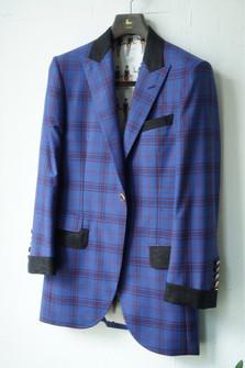 11ウエディングスーツ.jpg