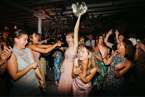 hire Wedding dj in Mykonos, Dj Services mikonos, hire Dj in mykonos