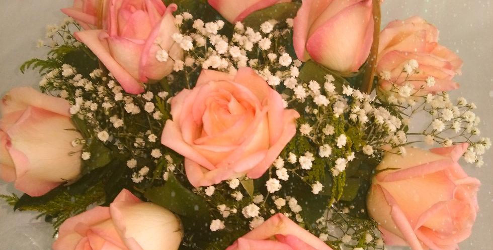 Cesta com 12 rosas cor de rosa