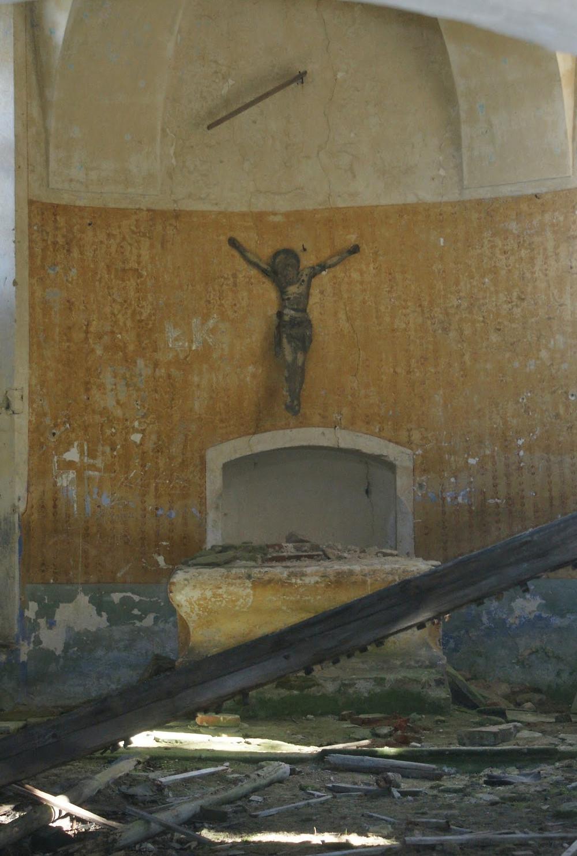 Fot. Opuszczony kościół pod wezwaniem św. Jana Nepomucena w Janowej Górze.