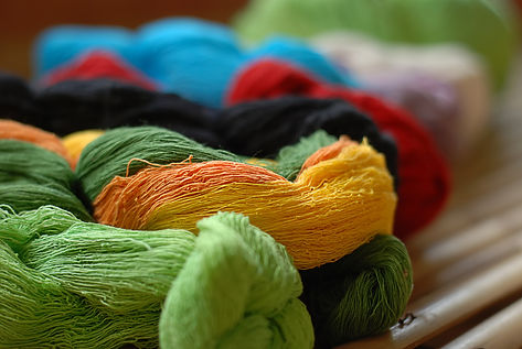 Set-of-colorful-silk-yarn-674997822_2672