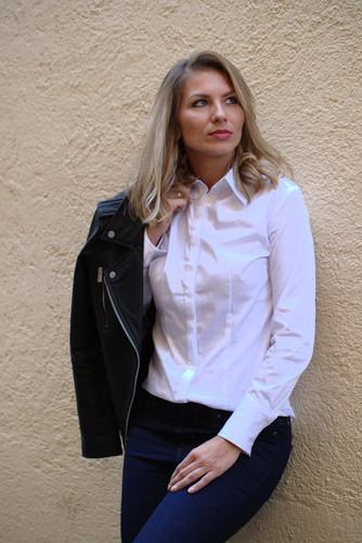 Jelena in Collection By Kamales shirt - SNOW