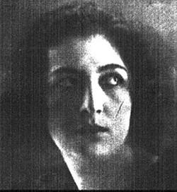 Элена Сангро