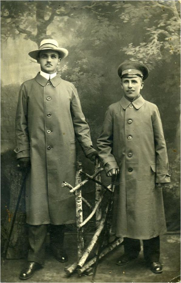 Иосиф Герасимович (слева)