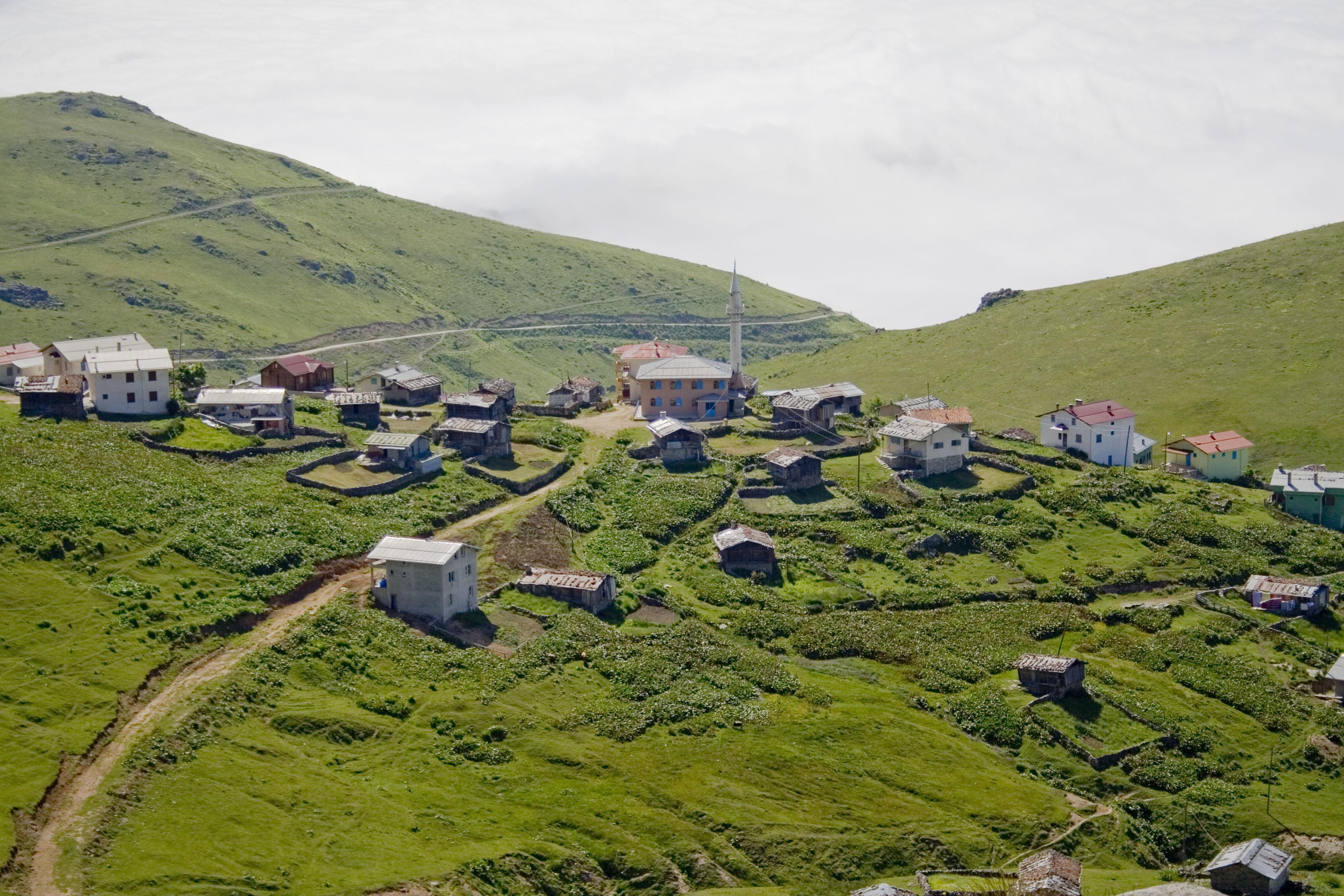 Vilage_near_Çaykara,_Trabzon