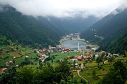 Uzungöl_lake_and_town