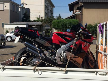 オートバイも運びます! カウリング・バリバリ伝説