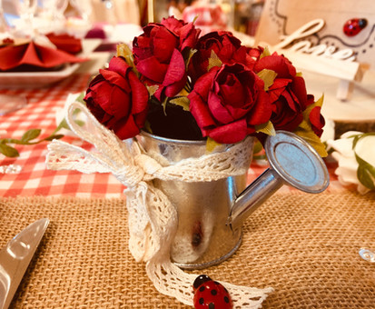Arrosoir et fleur x12.JPG
