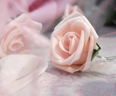 Fleur en mousse rose