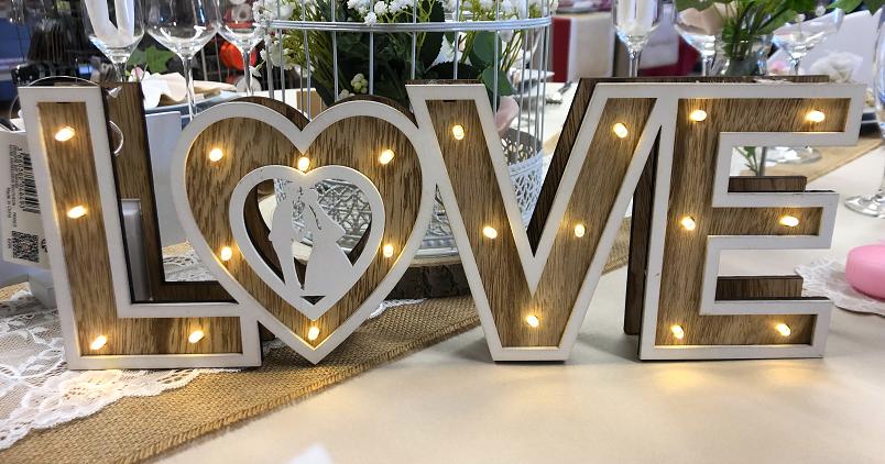 """Mot """"love"""" avec éclairage.bmp"""