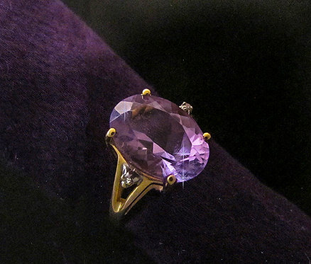 14 K Yellow Gold Oval Faceted Amethyst Ring