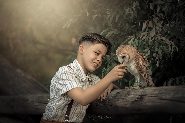 Menino e coruja