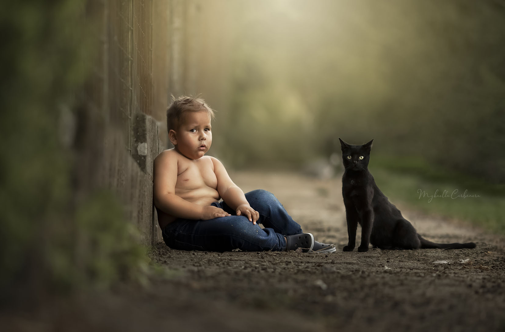 Eric e o gatinho preto