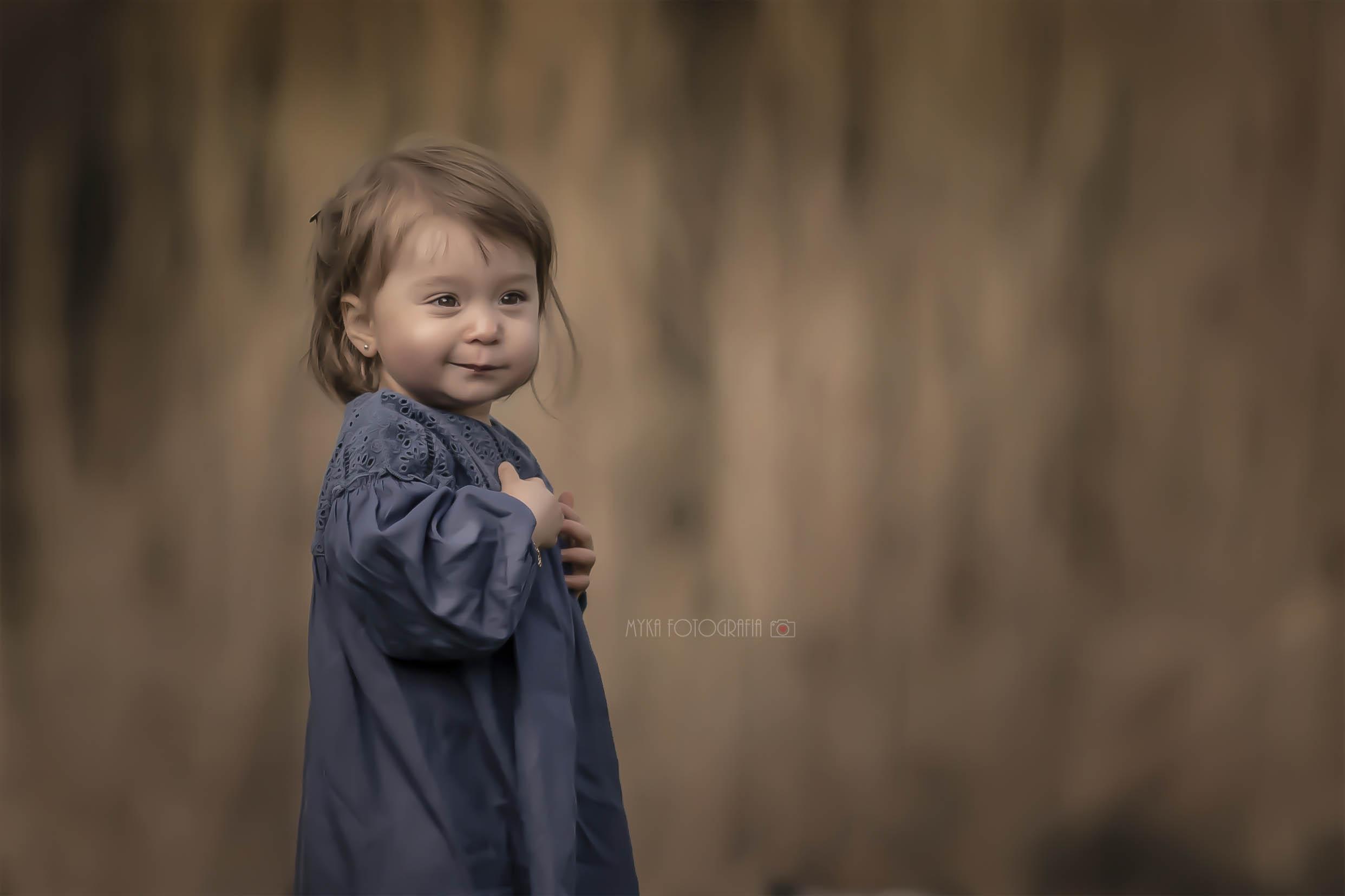 Retrato de menina no parque