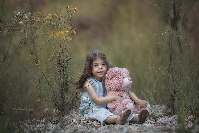 Ana Laura e seu ursinho rosa
