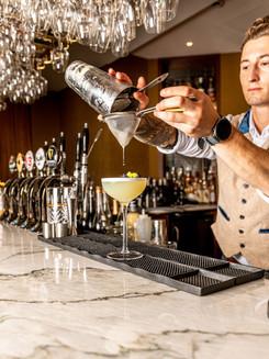 Cocktails bartender 5 portrait .jpg