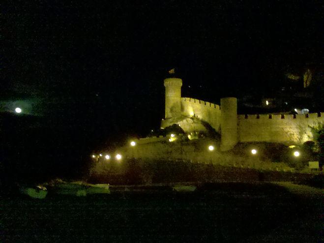 Tossa de Mar, Festung am Abend