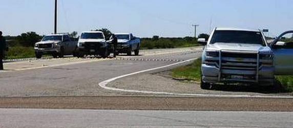 Sujetos armados despojan de su camioneta a viajero sobre la Parral- Jiménez.