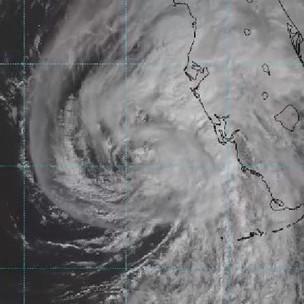 "Llegó ""Eta"" al oeste de Florida; alertaron a Yucatán y Quintana Roo"