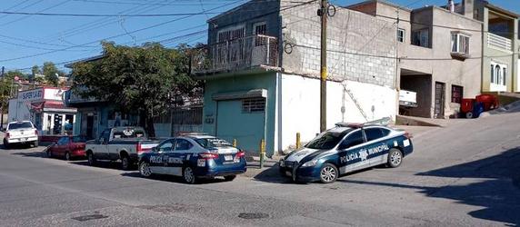Fallece hombre dentro de su casa en la colonia Cerro de la Cruz.