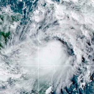 Prevén que 'Zeta' sea huracán antes de tocar México y EU