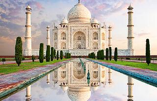 Taj Mahal shutterstock_432310696.jpg