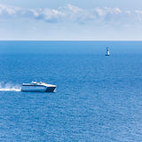 Fastcraft vessel with passengers cruisin